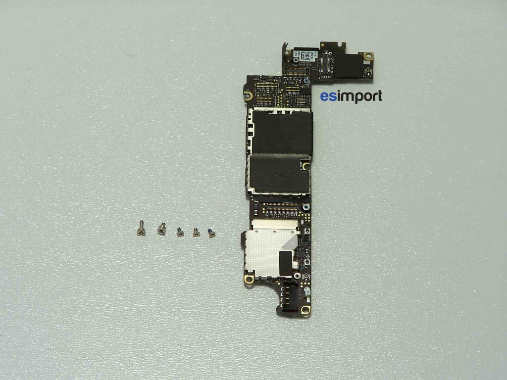 Changement de la carte-mère sur un iPhone 4S - CARTE MERE IPHONE 4S