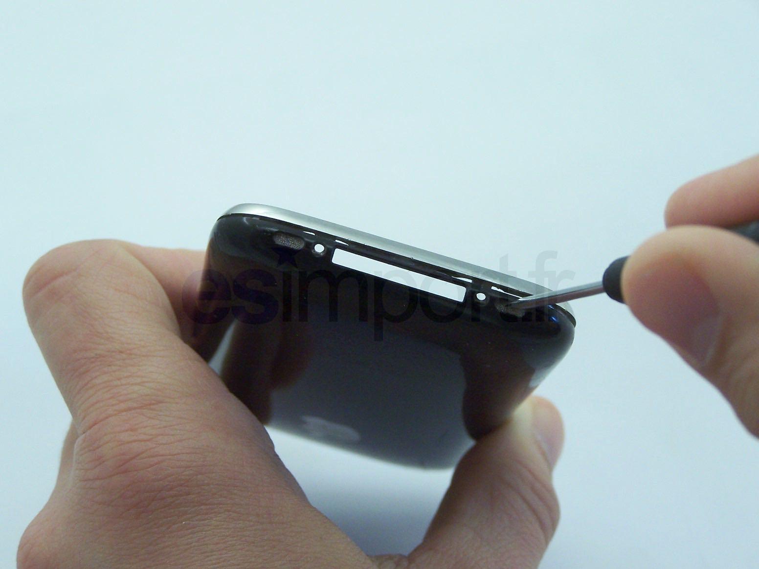 DEMONTAGE GRILLE HAUT PARLEUR IPHONE
