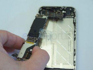 Changement de la carte-mère sur un iPhone 4 - IPHONE 4 RETIRER CARTE MERE