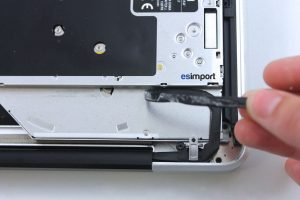 02-DECOLLER-CABLE-CAMERA-MACBOOK-15P-A1286-MODELE-2008