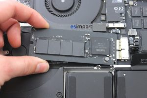 08 DECONNECTER FLASH SSD MACBOOK 15P A1398 RETINA