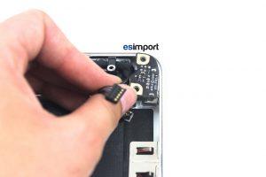 changement du connecteur MagSafe sur un MacBook A1286 2011 - 10-SORTIR-CONNECTEUR-MAGSAFE-MACBOOK-PRO-15P-A1286-DEBUT-2011