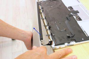 Changement de l'ensemble-écran sur un MacBook A1465 - 12 DEMONTAGE ENSEMBLE ECRAN