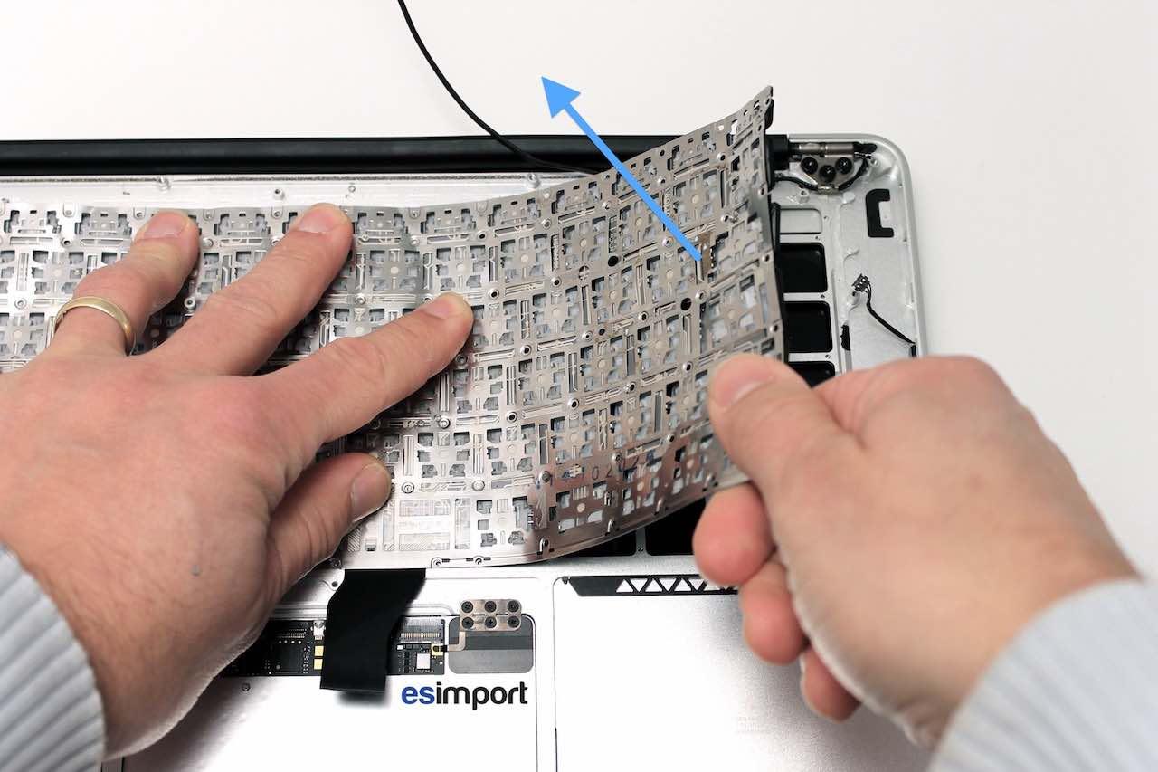 Tutoriel décrivant le changement du clavier sur un MacBook