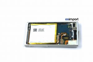 17-REPLACER-BATTERIE-DANS-CHASSIS-IPOD-NANO-7