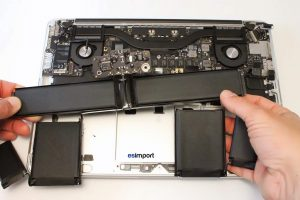Changement de la batterie sur un MacBook A1425 - 20 DEPOSE BATTERIE MACBOOK PRO 13 RETINA