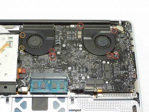 démontage de la carte-mère sur un MacBook A1286 modèle 2008- CARTE MERE MACBOOK PRO 15