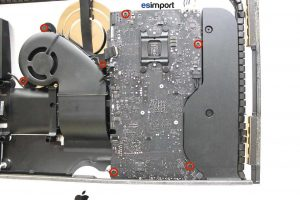 Démontage de la carte-mère sur un iMac A1418 2012 - 03-devisser-4-vs-carte-mere-torx-9-et-3-vis-ventilateur-imac-21-5p-a1418-fin-2012