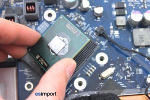 Changement du processeur sur un iMac A1225 - 07-retirer-delicatement-processeur-imac-24p-a1225