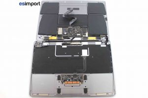 Démontage du capot sur un MacBook A1532 2015 - 07 VUE CAPOT OUVERT MACBOOK 12 POUCES A1534