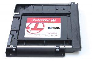 10-INSTALLER-SSD-DANS-SUPPORT-DU-LECTEUR-OPTIQUE-IMAC-21.5P-A1311-MI-2010