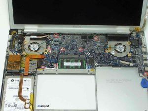 DEMONTAGE CARTE MERE MACBOOK PRO A1226