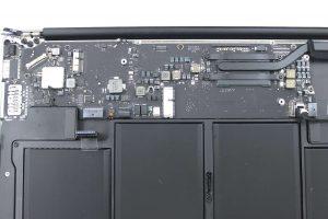 réparation de la carte-mère sur un macbook - CARTE-MERE MACBOOK
