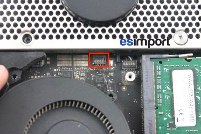 06 DECONNECTER VENTILATEUR MAC MINI 2011 (1)